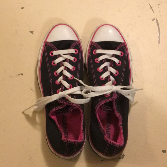 4545165592a7e1 Converse Shoes - Size 9 Converse hard to find Black Raspberry